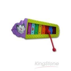 小貓咪快樂敲打琴