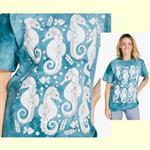 【摩達客】(預購) 美國進口ColorWear 海馬 禪繞畫療癒藝術 環保短袖T恤