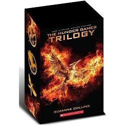 The Hunger Games Trilogy Asia Version 2016 Edition 飢餓遊戲套書(2016亞版)
