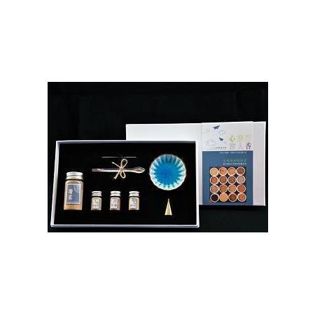 心旅行:旅人香 書+手作禮盒【寶石森林】