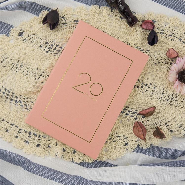2020年32K奢樸軟背精裝橫式週誌-朵粉