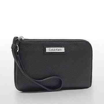 【Calvin Klein】女時尚黑色拉鍊腕飾手抓包