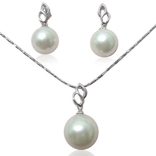 【小樂珠寶】全市場及網路上最優惠,以批發價回饋廣大的愛護者,全美正圓3A南洋深海貝珍珠多件式套組