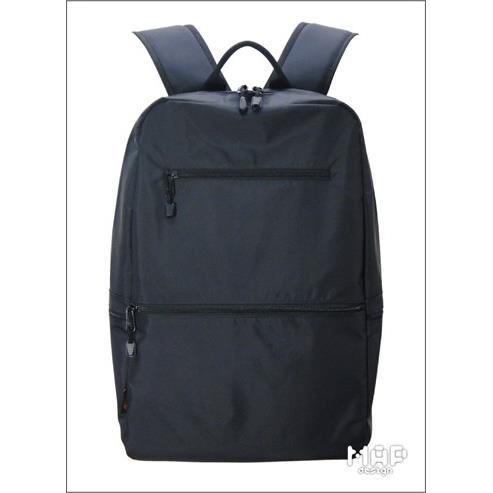 防潑水尼龍搭配精工拉鍊雙肩後背包