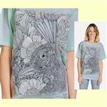 【摩達客】(預購) 美國進口ColorWear 花與孔雀 禪繞畫療癒藝術 環保短袖T恤