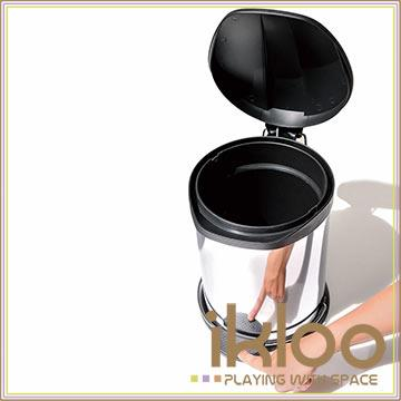 【ikloo】不鏽鋼腳踏垃圾桶-12L(台灣製造)