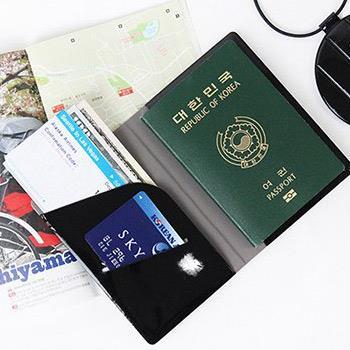 【FENICE】S size 耐衝擊護照套(黑)