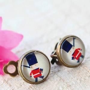 英國小兵古銅夾式耳環‧輕靈之森手工療癒系