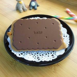 Kalo 卡樂創意 餅乾造型行李吊牌/識別證套 (巧克力餅乾)