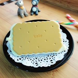 Kalo 卡樂創意 餅乾造型行李吊牌/識別證套 (起士夾心餅乾)