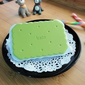 Kalo 卡樂創意 餅乾造型行李吊牌/識別證套 (抹茶牛奶餅乾)