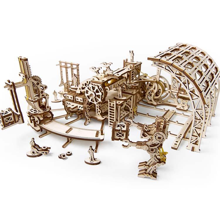 Ugears 自我推進模型 (Robot Factory 機械小鎮-機器人工廠)