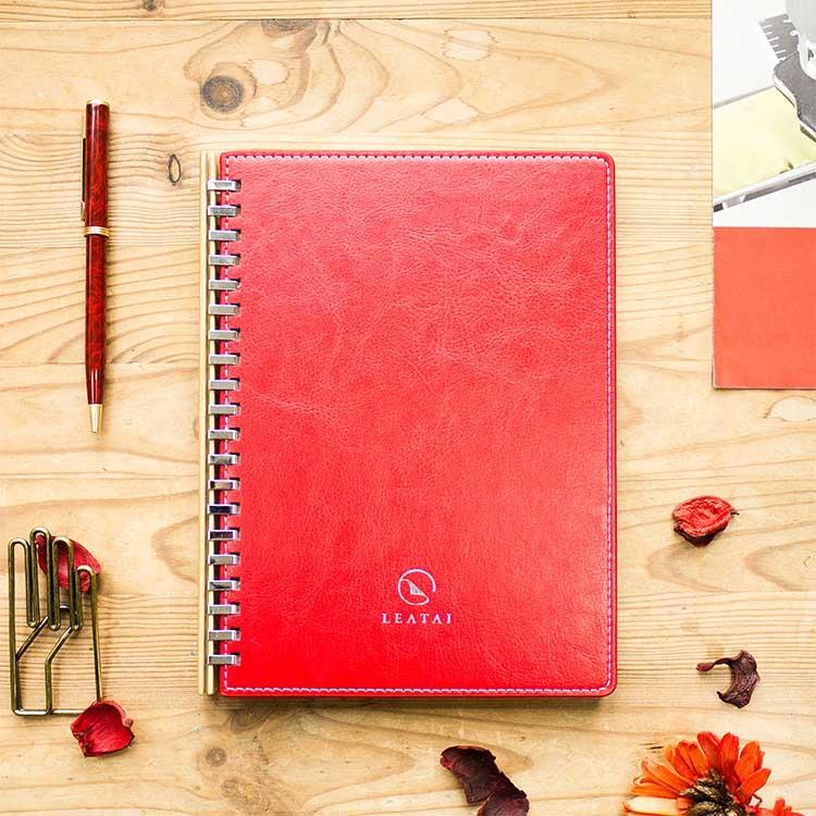 【Leatai 磊泰】歲月靜好 孟宗竹條活頁本 (介紙1.0 / 鋼筆適用紙)-紅色