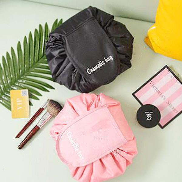 攤開圓形抽繩化妝品PVC收納包(粉紅)
