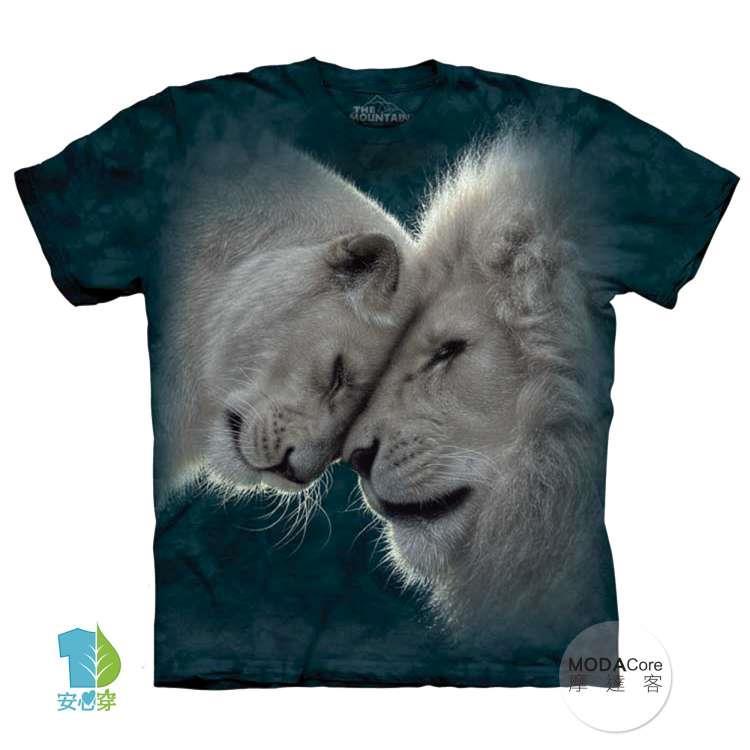 【摩達客】(預購)美國進口The Mountain 白獅之愛 純棉環保藝術中性短袖T恤